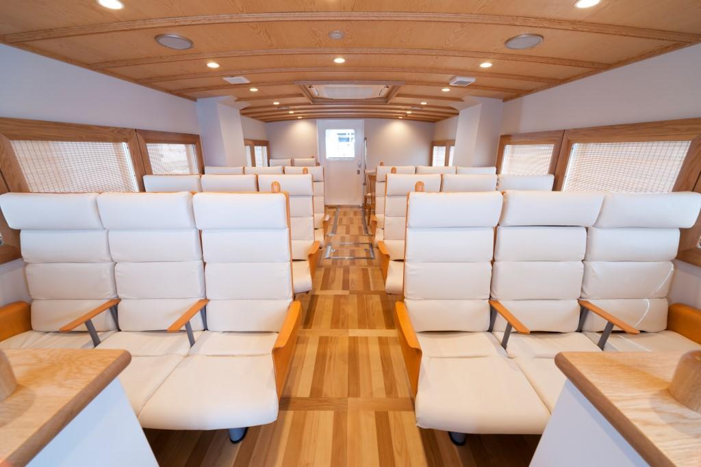 木材を使用した温かみのある内装デザイン